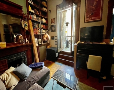 203 Berkeley Place - Photo Thumbnail 2