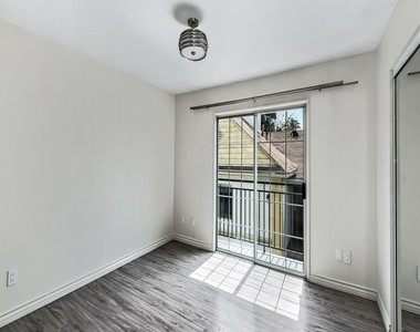 1817 Garfield Pl Apt 2 - Photo Thumbnail 4