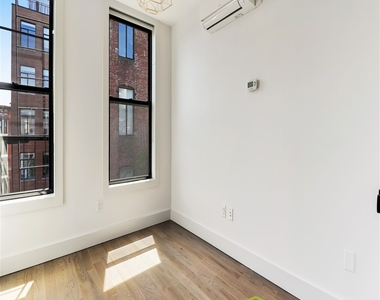 144 North 11th Street - Photo Thumbnail 4