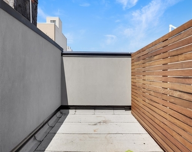 144 North 11th Street - Photo Thumbnail 7