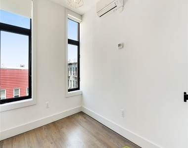 144 North 11th Street - Photo Thumbnail 5