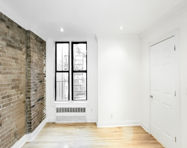 244 East 78th Street - Photo Thumbnail 4