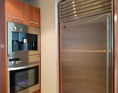 1331 Brickell Bay Dr - Photo Thumbnail 10