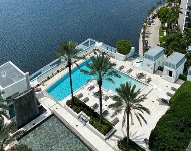 1331 Brickell Bay Dr - Photo Thumbnail 5