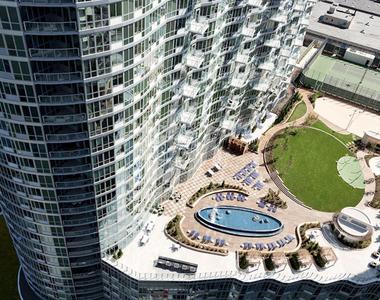 LIC Waterfront - Photo Thumbnail 2