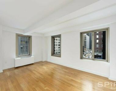 West 55th Street - Photo Thumbnail 2