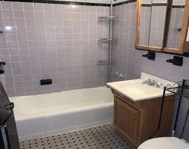 340 East 58 Street - Photo Thumbnail 5