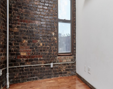 East 11th Street - Photo Thumbnail 6