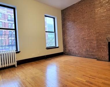West 125th Street - Photo Thumbnail 1