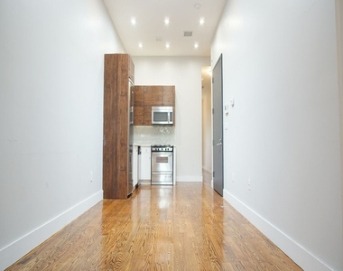 286 Onderdonk Avenue - Photo Thumbnail 9