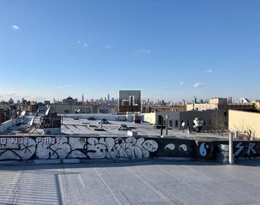 Knickerbocker Avenue - Photo Thumbnail 8