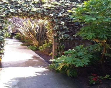 621 Sunset Ave - Photo Thumbnail 12