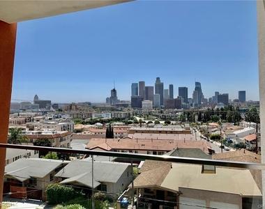 1015 Figueroa Ter Apt 7 - Photo Thumbnail 10