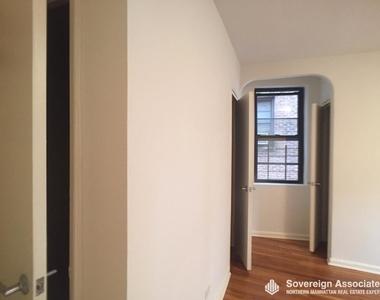 700 Fort Washington Avenue - Photo Thumbnail 12