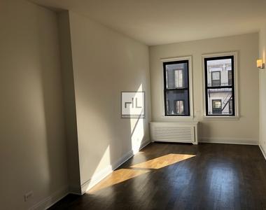 West 22 Street - Photo Thumbnail 0