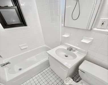 304 East 38th Street - Photo Thumbnail 3