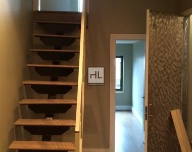 445 Meeker Avenue - Photo Thumbnail 2
