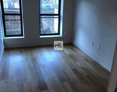 445 Meeker Avenue - Photo Thumbnail 6