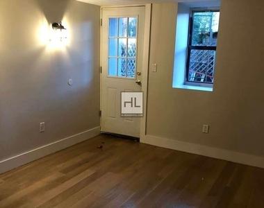 445 Meeker Avenue - Photo Thumbnail 9