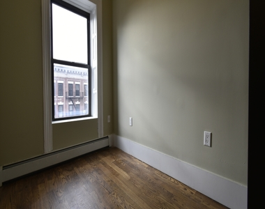 371 Mac Donough Street - Photo Thumbnail 2