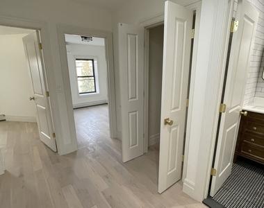 371 Mac Donough Street - Photo Thumbnail 4