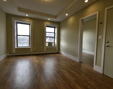 371 Mac Donough Street - Photo Thumbnail 0