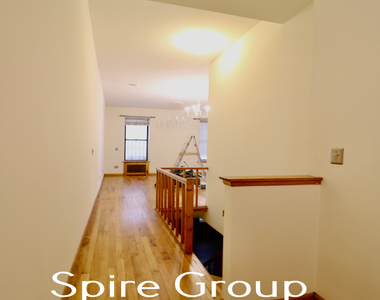 201 West 94th Street - Photo Thumbnail 4