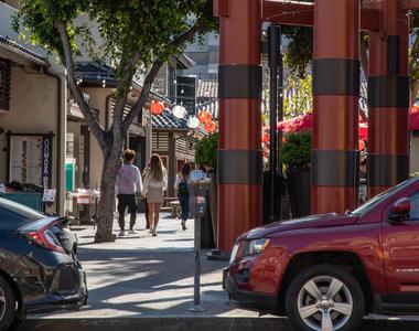 601 E. 2nd Street - Photo Thumbnail 27