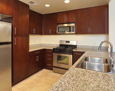 601 E. 2nd Street - Photo Thumbnail 5