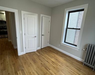 292 Maple Street - Photo Thumbnail 1