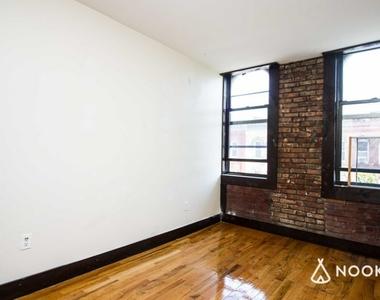 184 Irving Avenue - Photo Thumbnail 2