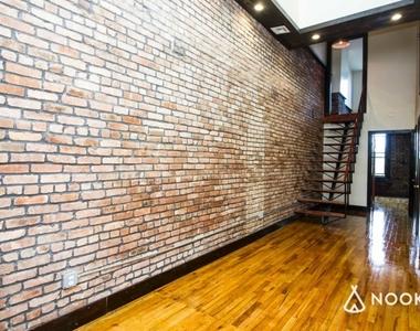 184 Irving Avenue - Photo Thumbnail 4