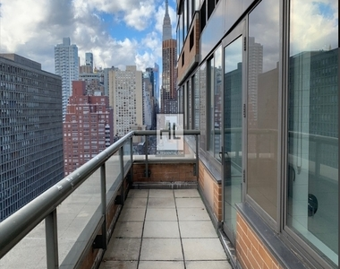 East 34th Street - Photo Thumbnail 1