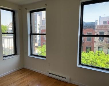 West 105th Street - Photo Thumbnail 0