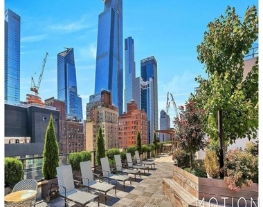 West 35th Street - Photo Thumbnail 5
