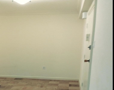 4201 Cathedral Avenue Nw - Photo Thumbnail 5