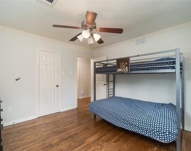 4646 Richmond Avenue - Photo Thumbnail 20