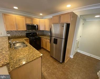 243 Florida Avenue Nw - Photo Thumbnail 10