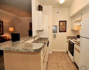 456 Wildwood Forest Dr - Photo Thumbnail 2