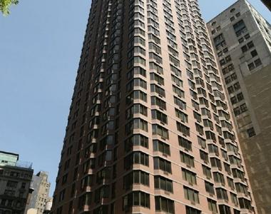 William St & Liberty St - Photo Thumbnail 8
