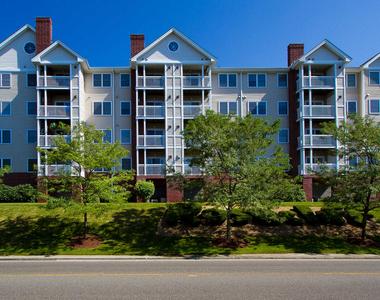 790 Willard Street - Photo Thumbnail 2