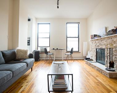4th Avenue - Photo Thumbnail 0