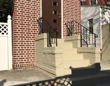 East 35th Street & Clarendon Rd - Photo Thumbnail 6