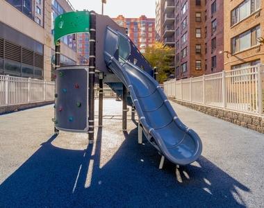 Columbus Avenue - Photo Thumbnail 7