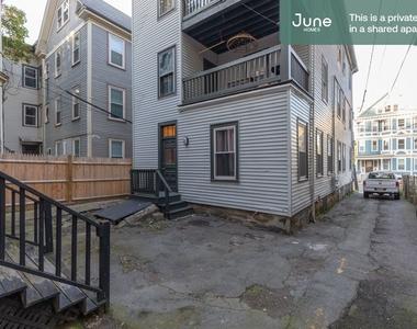 101 Calumet Street - Photo Thumbnail 13