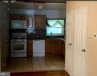 915 N 6th Street - Photo Thumbnail 2