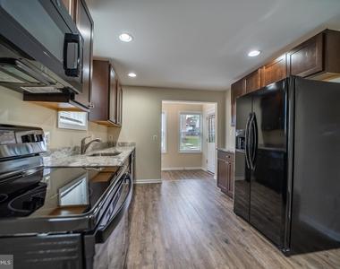 6109 Danville Avenue - Photo Thumbnail 1