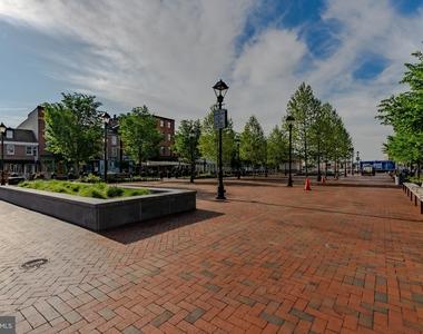 1720 Lancaster Street - Photo Thumbnail 92