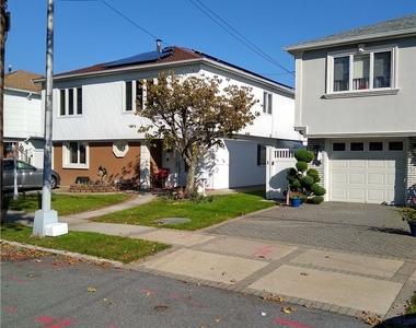 159-29 92 Street - Photo Thumbnail 0