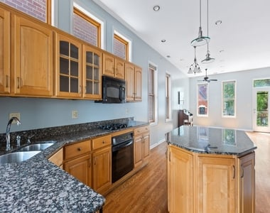 1414 West Lexington Street - Photo Thumbnail 11